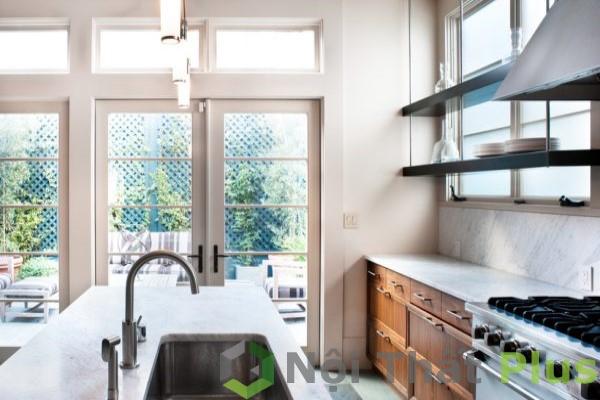 nội thất phòng bếp đơn giản, đầy đủ tiện nghi