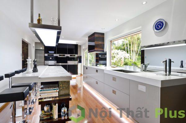 mẫu nội thất phòng bếp đầy ánh sáng