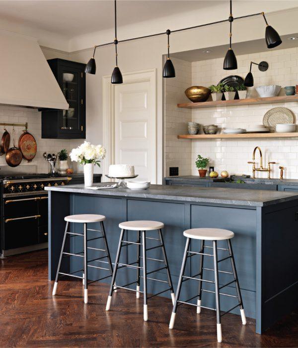 mẫu thiết kế phòng bếp phong cách cổ điển PBCD003