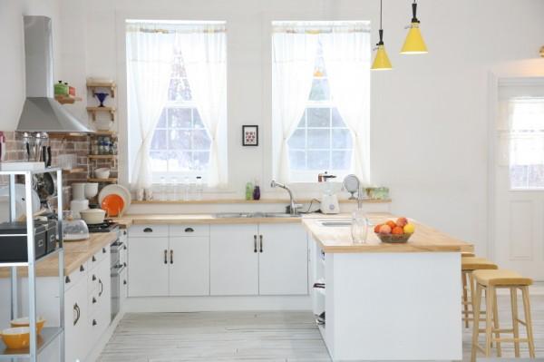 mẫu thiết kế nội thất phòng bếp hiện đại PBHD001