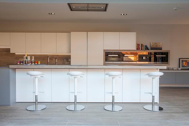 mẫu tủ bếp Acrylic đẹp TBDA01