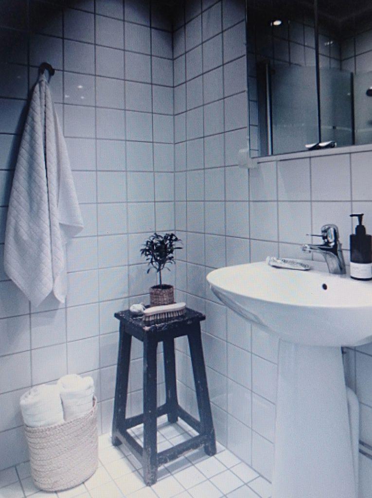 phòng tắm cho căn hộ chung cư 80m2